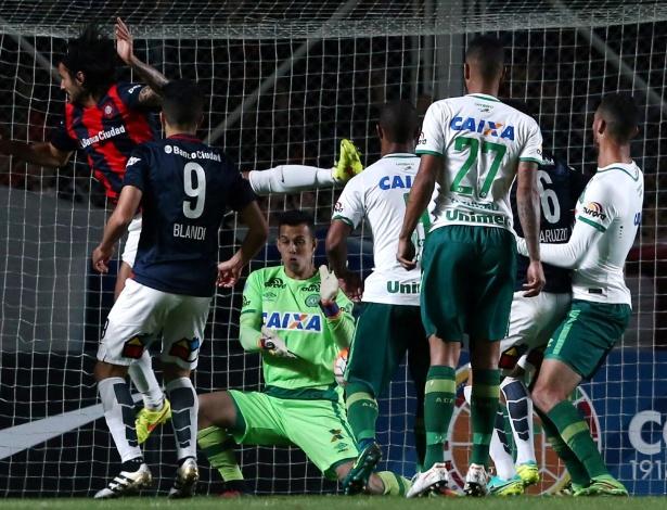 Goleiro Danilo é um dos destaques da Chapecoense, finalista da Sul-Americana