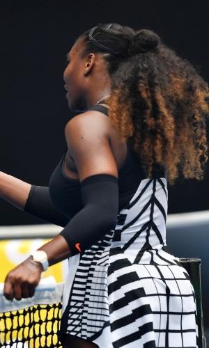 Partes das costas do uniforme de Serena Williams faz lembrar um esqueleto