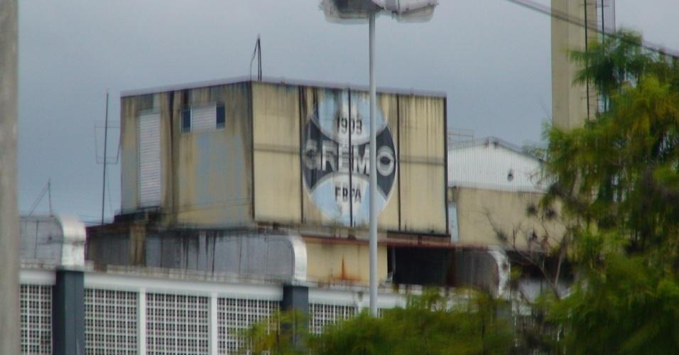Escudo do Grêmio degradado no Estádio Olímpico