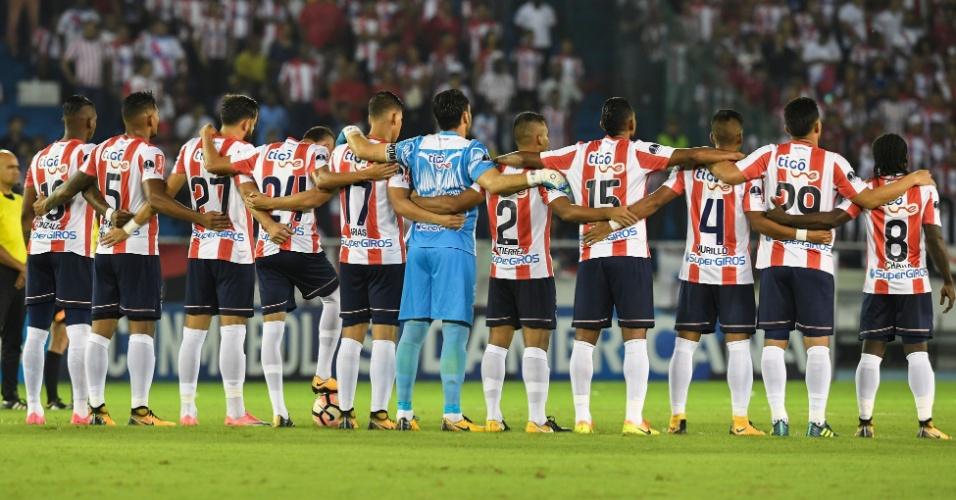 Time do Junior, adversário do Flamengo, faz um minuto de silêncio pela Chapecoense