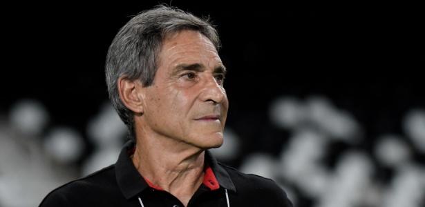 Carpegiani lamentou o empate do Flamengo na estreia da Copa Libertadores