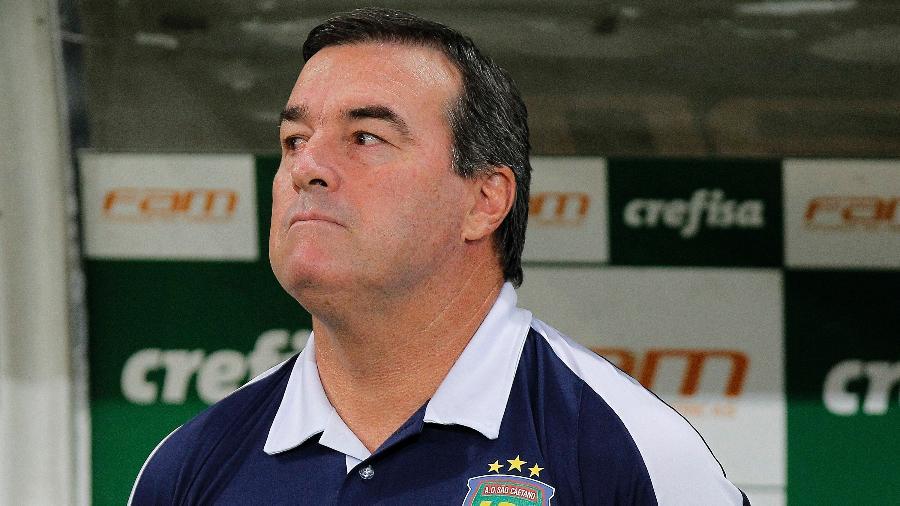 Treinador já passou pelo São Caetano e, no ano passado, comandou o acesso do Juventude para a Série A - Daniel Vorley/AGIF