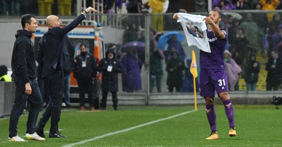 Vitor Hugo homenageia Davide Astori após gol marcado contra o Benevento