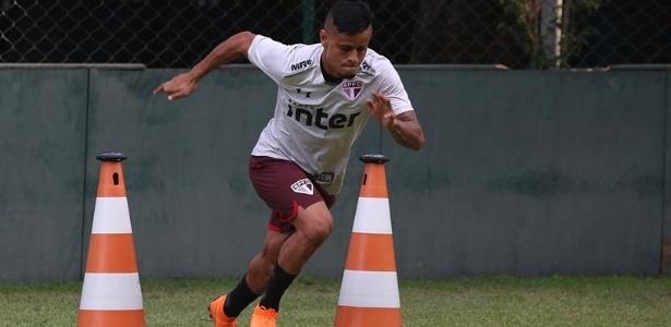 Everton deve ser titular do São Paulo no jogo contra o Fluminense