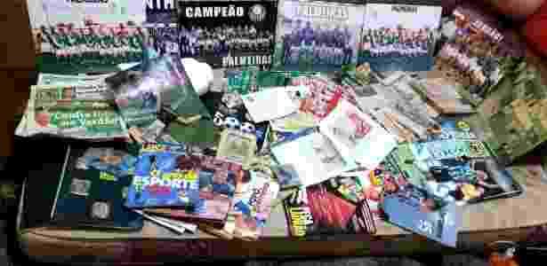 Pôster do Corinthians fica ao fundo na coleção de Priscila - Arquivo pessoal - Arquivo pessoal