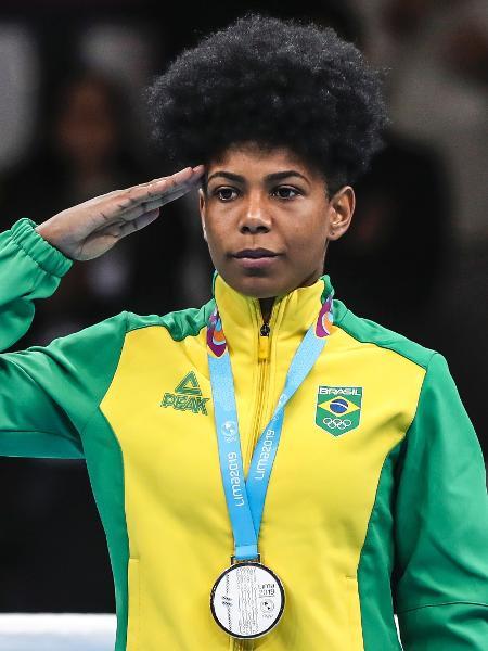Jucielen Romeu recebe a medalha de prata no boxe do Pan - Wander Roberto/COB