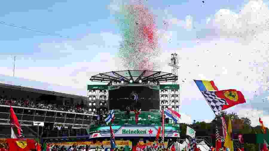 Leclerc comemora vitória em Monza - Dan Istitene/Getty Images