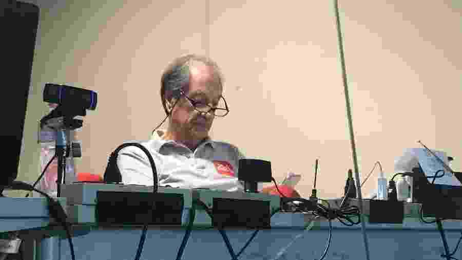Locutor de rádio José Carlos Araújo, o Garotinho, foi uma das referências no Vasco x Fla sem transmissão de TV - Bruno Braz / UOL Esporte