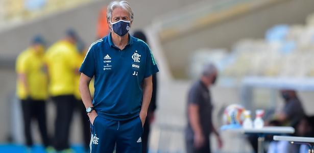 """Tropeço do Flamengo muda planos e """"arrasta"""" novela de saída de Jorge Jesus – UOL Esporte"""