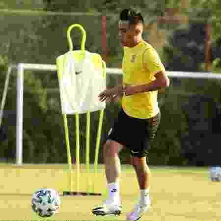 Desde agosto atuando pelo Malatyaspor, meia peruano foi afastado do clube - Reprodução/Instagram