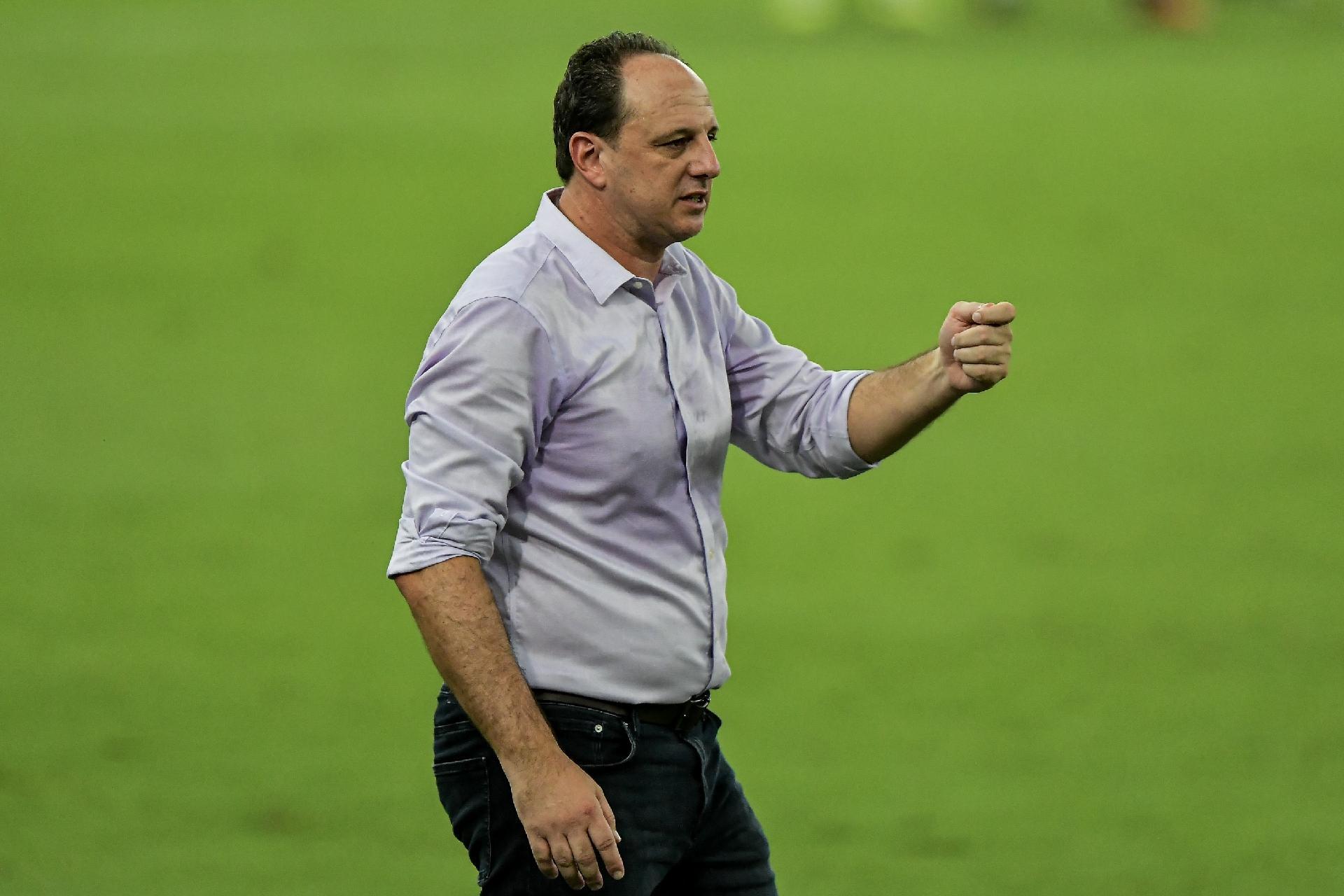 Flamengo precisa de uma reformulação criteriosa no elenco, diz jornalista