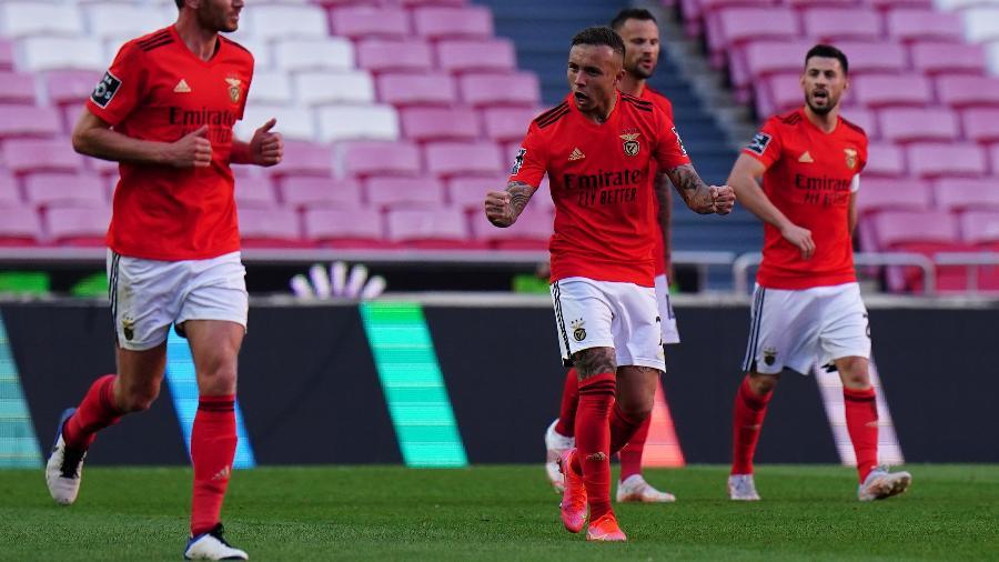 Everton Cebolinha marcou um golaço no empate entre Benfica e Porto - Gualter Fatia/Getty Images