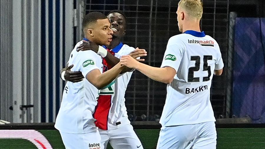 Mbappé comemora gol do PSG contra o Montpellier, pela Copa da França - AFP