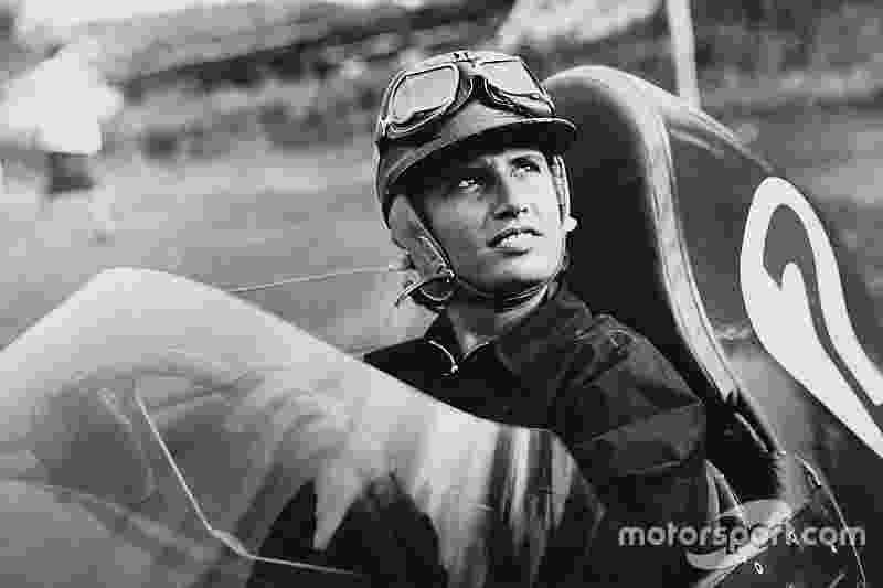 Maria Teresa de Filippis, conhecida por ser a primeira mulher a pilotar um carro de Fórmula 1, morreu neste sábado aos 89 anos - Reprodução/Motorsport.com