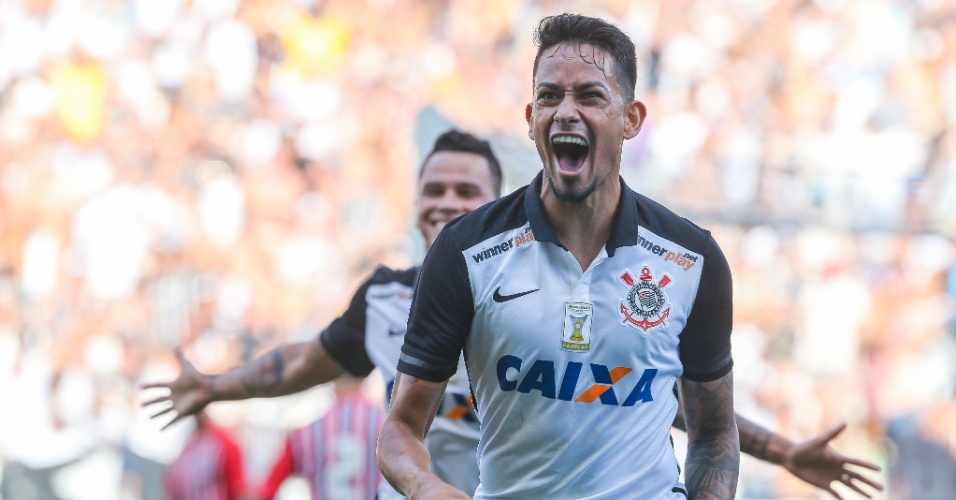 Lucca, do Corinthians, comemora gol marcado no primeiro tempo do clássico contra o São Paulo