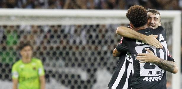 Jogadores do Atlético-MG comemoram gol em goleada sobre o Melgar, na Libertadores - REUTERS/Washington Alves