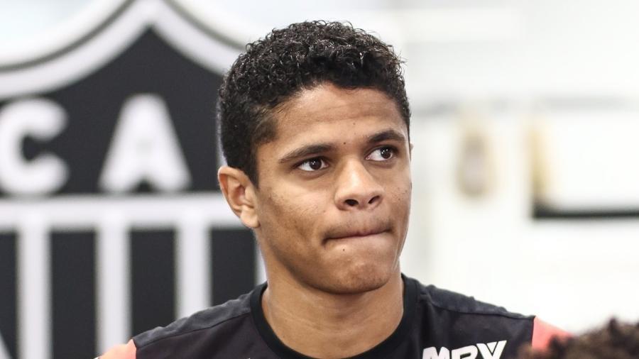 Atlético-MG ainda não quitou compra do lateral esquerdo Douglas Santos com a Udinese - Bruno Cantini/Atlético-MG/Divulgação
