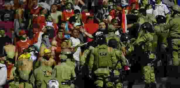 Torcida do Independiente compareceu à Arena Condá para o jogo de volta - Nelson Almeida/AFP Photo