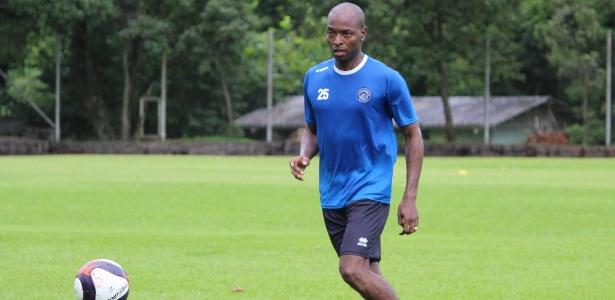 Wason Rentería em treinamento do Tubarão-SC, clube que defenderá em 2017