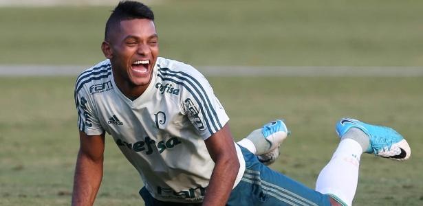 Borja não foi ao gramado nesta sexta-feira no treino do Palmeiras
