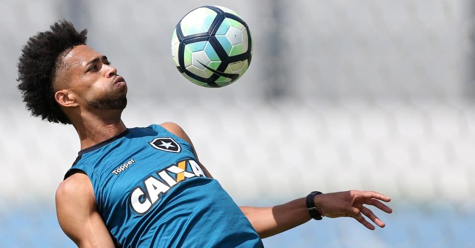 Luis Ricardo, lateral-direito do Botafogo
