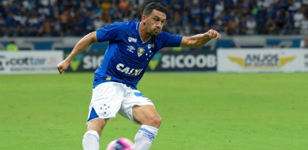 Edilson, lateral direito do Cruzeiro, está no clube desde janeiro de 2018