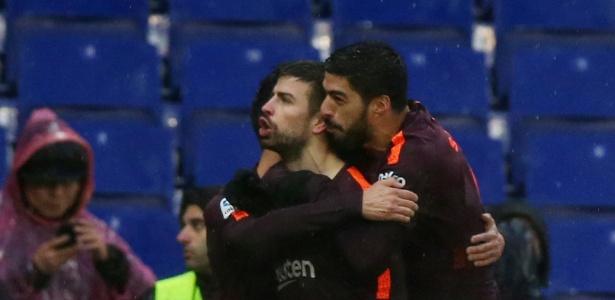 Zagueiro celebrou empate diante do Espanyol mandando torcida rival se calar - REUTERS