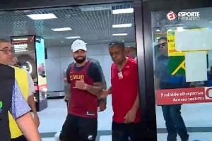 Gabigol chega ao Rio e não deve ir aos EUA para jogar Flórida Cup com Fla e0aaa5df4bc78