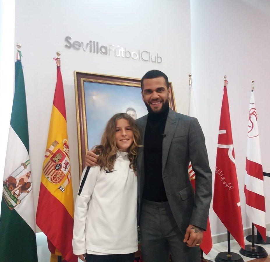 Daniel Alves visita