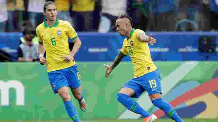 Everton comemora o gol contra o Peru pela Copa América - Henry Romero/Reuters