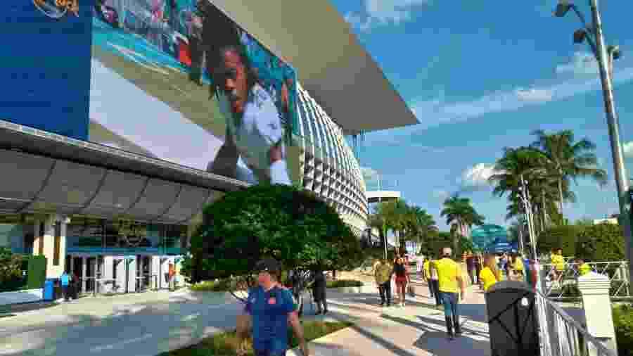 Brasileiros e colombianos dividem esquenta para amistoso em Miami - UOL