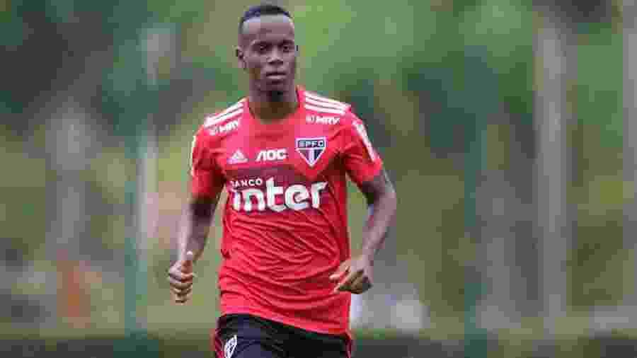 Helinho, meia-atacante do São Paulo, deve ser titular da equipe neste início de temporada - Rubens Chiri / saopaulofc.net