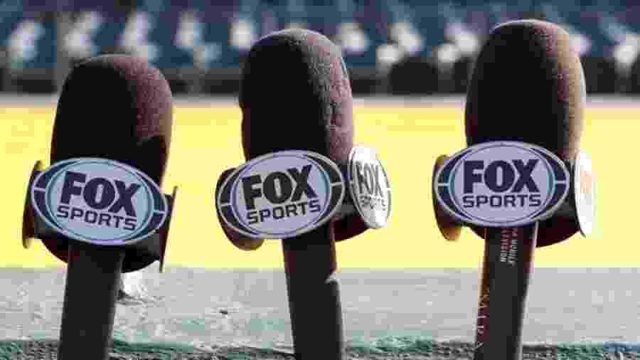 Microfones do Fox Sports; emissora deve ser vendida no Brasil - Divulgação
