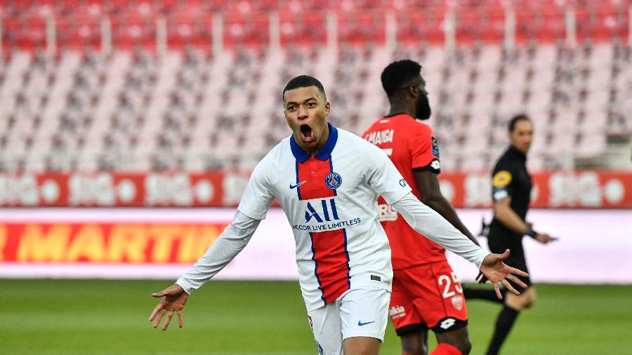 Mbappé marcou duas vezes na goleada do PSG sobre o Dijon - PHILIPPE DESMAZES/AFP