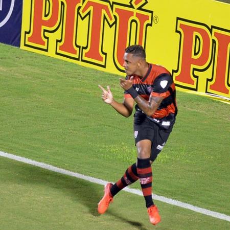Samuel comemora gol pelo Vitória diante do Altos - Walmir Cirne/Agif