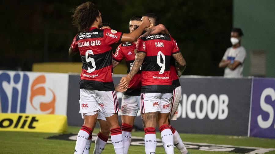 Jogadores do Flamengo comemoram gol contra o Bahia, em jogo pelo Brasileiro, em Salvador - Alexandre Vidal / Flamengo