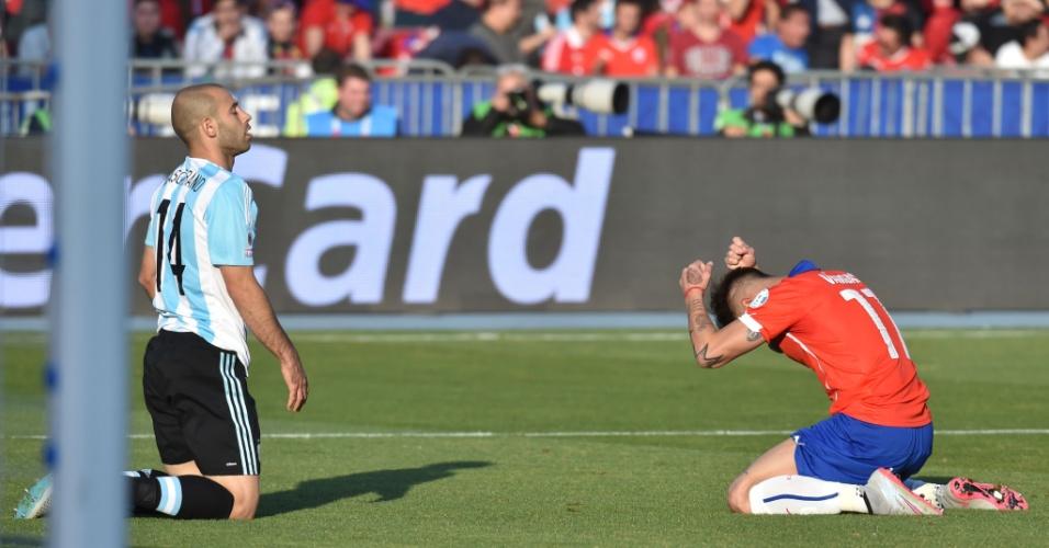 Vargas se desespera com lance perdido
