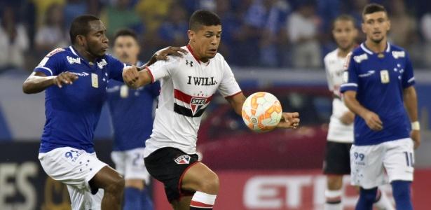 Denilson atuou pelo São Paulo no futebol brasileiro - Douglas Magno/AFP