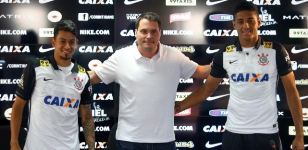 Lincom (à direita) é campeão brasileiro pelo Corinthians e também deixou o clube