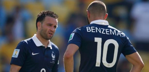 Valbuena e Benzema em ação pela seleção francesa na Copa do Mundo de 2014