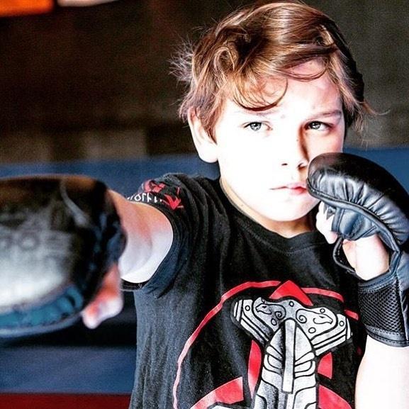 Mikael já treina MMA desde pequeno