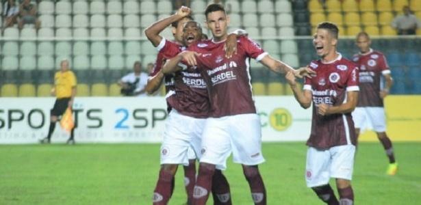 Willyan comemora gol pelo Desportiva-ES em amistoso contra o Botafogo