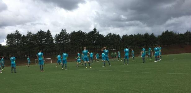 Chapecoense em treino de preparação para a temporada: convite para amistoso no Equador