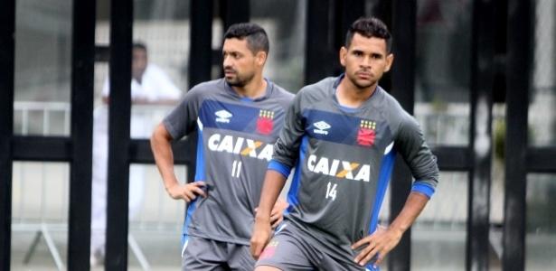 Atacantes Eder Luís (e) e Éderson (d) são os próximos a deixar São Januário