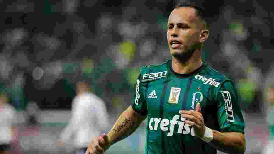 Meia Guerra negocia com o Coritiba, mas ainda não tem destino certo e deve se reapresentar ao Palmeiras - Daniel Vorley/AGIF