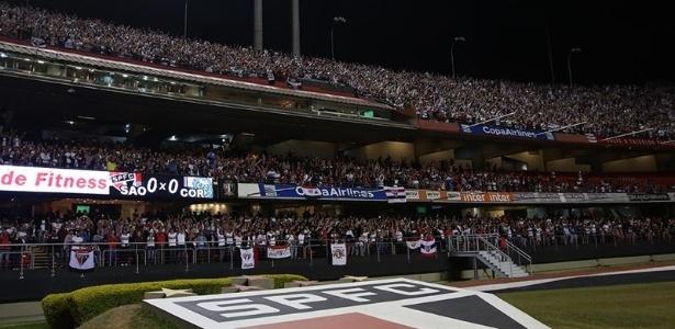 Apoio: Com maior média de público, torcida sustenta São Paulo na crise