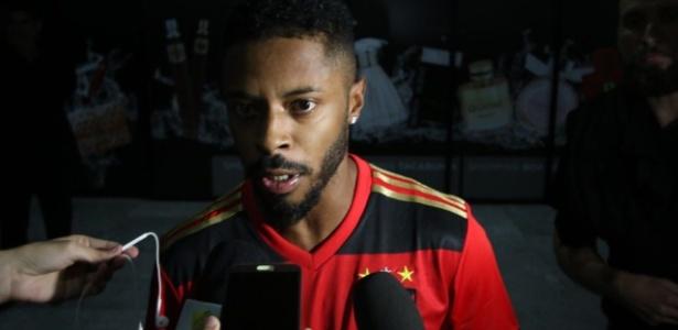 Novo reforço do Sport, Michel Bastos desembarca em Recife - Sport Club do Recife