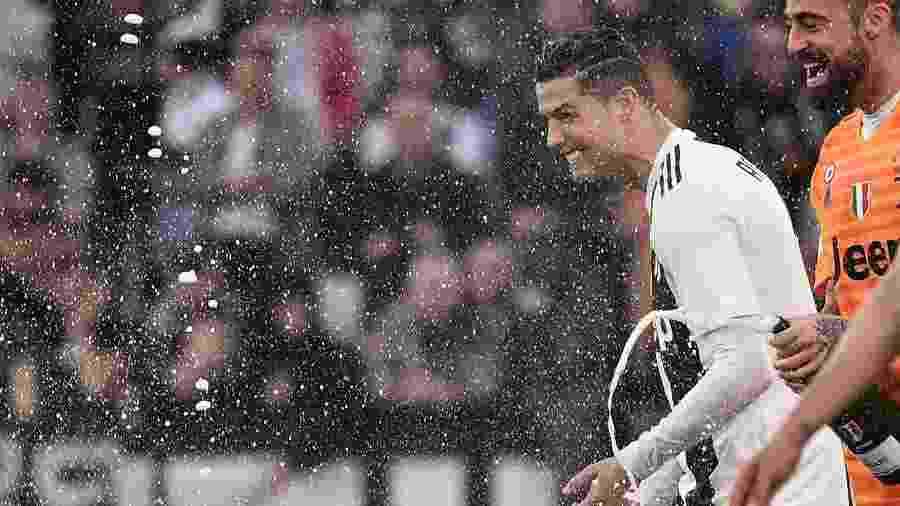 Cristiano Ronaldo celebra título - Marco Bertorello / AFP