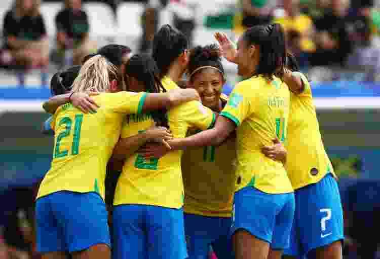 Jogadoras da seleção brasileira comemoram o gol contra a Jamaica, na Copa do Mundo de 2019 - REUTERS/Denis Balibouse - REUTERS/Denis Balibouse