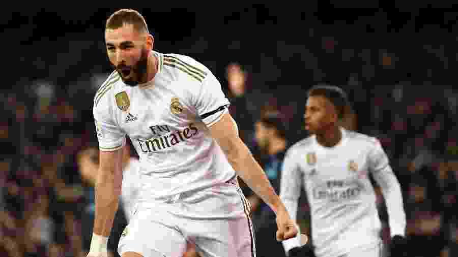 Benzema comemora gol do Real Madrid contra a Real Sociedad - PIERRE-PHILIPPE MARCOU / AFP